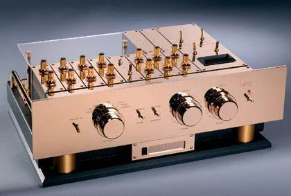 Für einen starken Klang: Das Flagschiff unter den Burmester Vorverstärkern wird seit 1980 gebaut und trägt nach einigen Modifikationen nun die Bezeichnung 808 MK 5