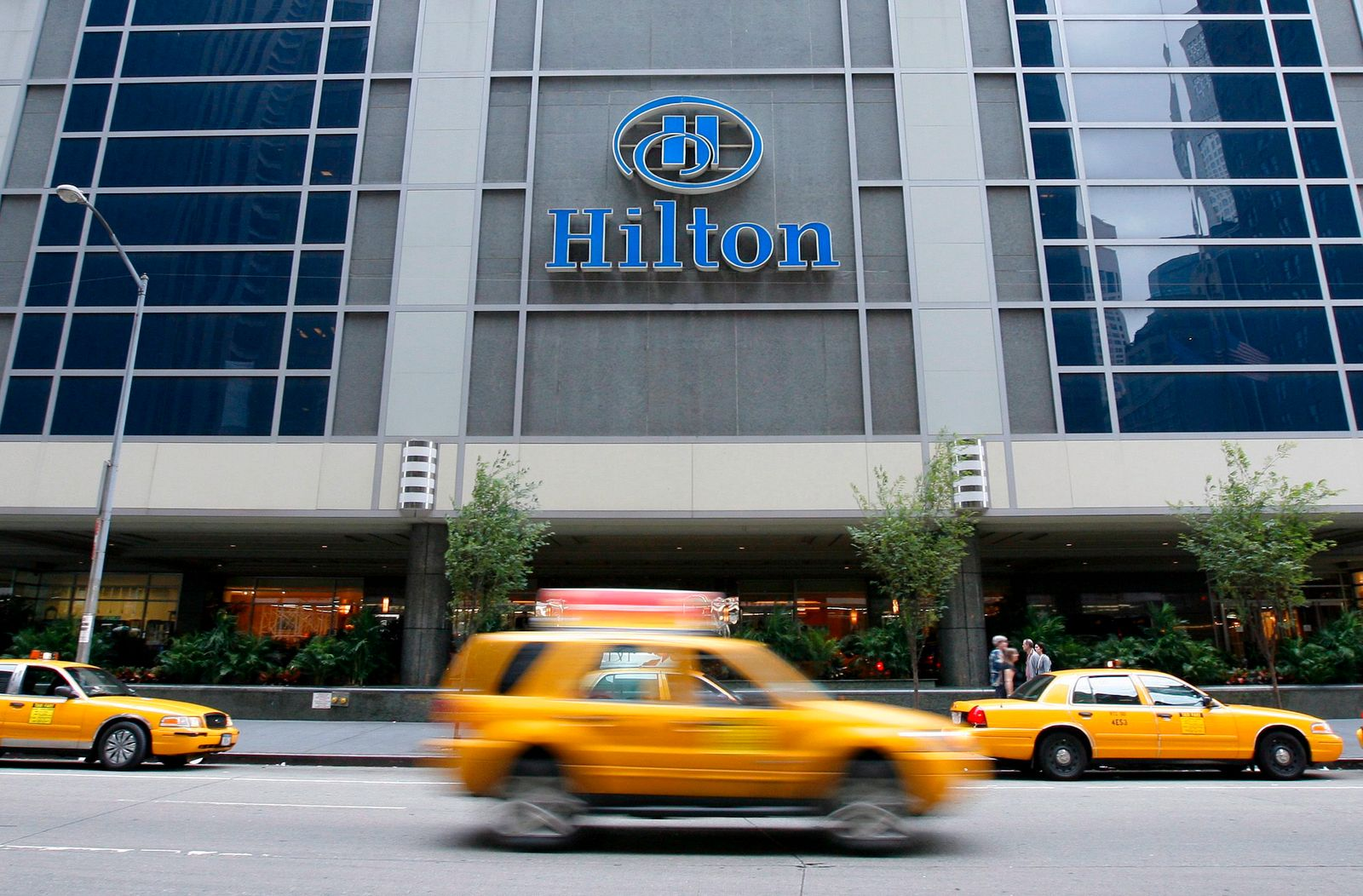 Hilton hotel chains owners eye stock offering