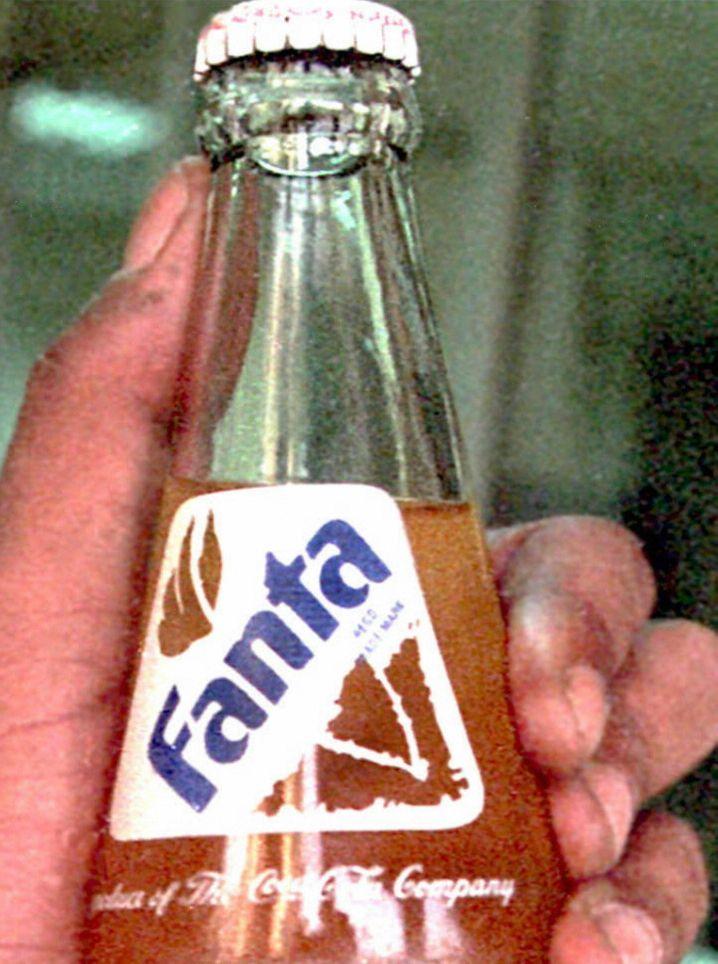 Aus der Not geboren: Weil Coca-Cola im zweiten Weltkrieg in Deutschland keine Zutaten mehr für seine braune Brause fand, wurde kurzerhand die Fanta erfunden