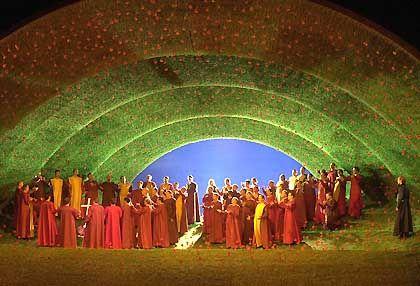 Jahr für Jahr: Richard Wagners Traumwelten sind finanziell gut abgesichert. Bild aus dem dritten Akt der Tannhäuser-Inszenierung 2002