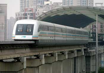 30 Kilometer waren erst ein kleiner Anfang: China will seinen in Shanghai startenden Transrapid auf ungleich längere Reisen schicken