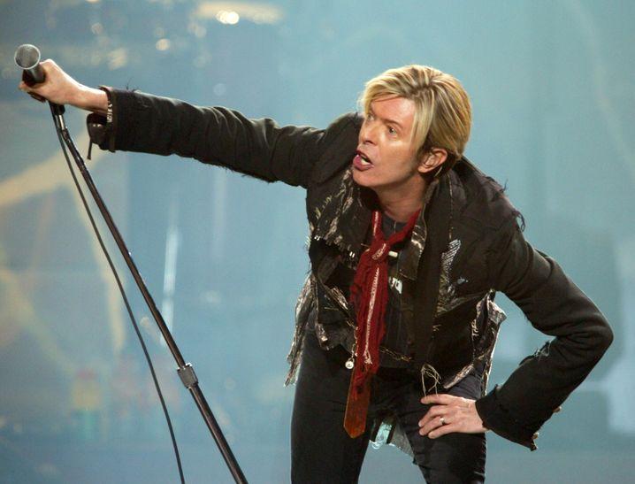 Das war David Bowie vor 13 Jahren, und wir hätten ihn gerne noch länger unter uns gehabt.