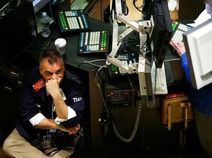 Die Skepsis bleibt: An der New York Stock Exchange hat der Dow Jones am Mittwoch den Handel mit einem hauchdünnen Plus von 3 Punkten beendet.