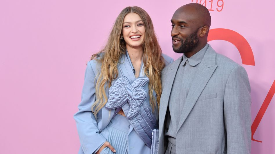 Superstar der Modebranche: Off-White-Gründer Virgil Abloh, hier mit Model Gigi Hadid (Archivaufnahme, 2019)