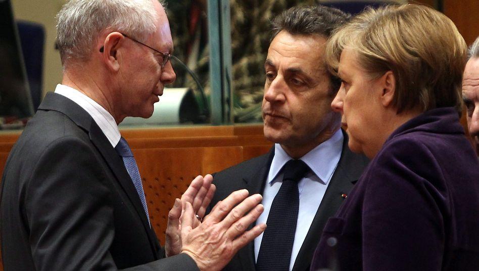 Getrieben von den Märkten: Euro-Retter Merkel, Sarkozy, van Rompuy im Krisengespräch