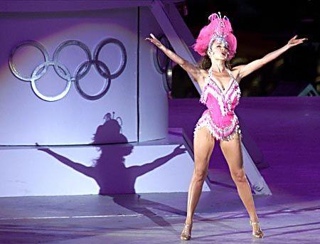 """Der australische Popstar Kylie Minogue sang den Abba-Hit """"Dancing Queen"""" während der Veranstaltung."""