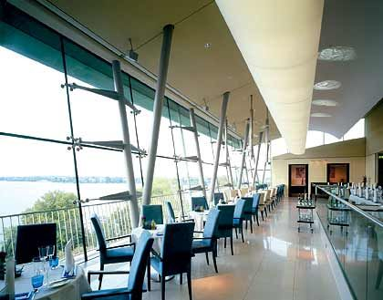 Restaurant Le Ciel: Faszinierender Ausblick auf die Außenalster