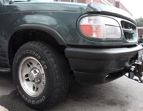 Ford Explorer mit Firestone-Reifen