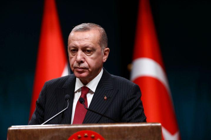 """Recep Tayyip Erdogan: """"Lasst uns diese hohen Zinsen senken"""""""