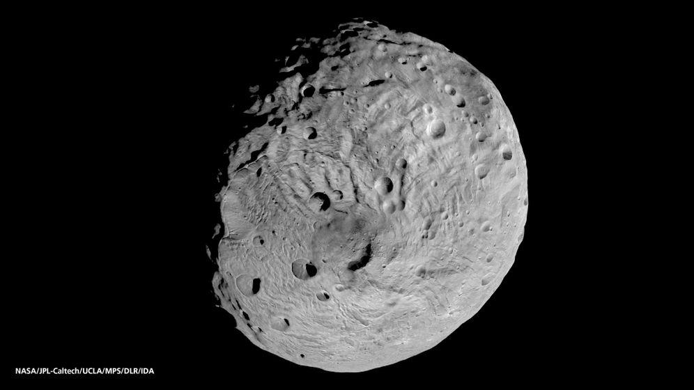 Krater auf Vesta: Asteroid mit Überraschungen