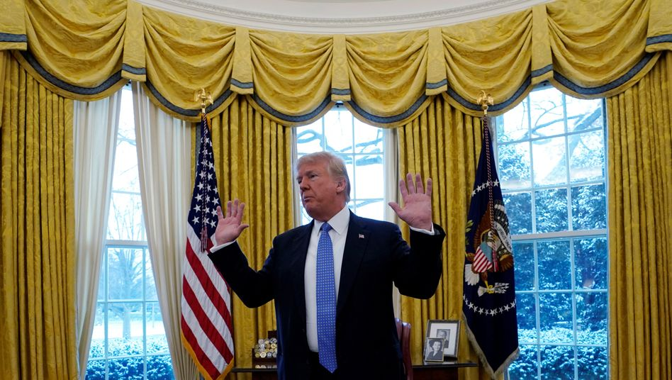 Donald Trump liebt Schulden: Stimmt der Senat einem weiteren Aufschub nicht zu, muss die USA zahlreiche öffentliche Mitarbeiter wegen Überschuldung der USA nach Hause schicken