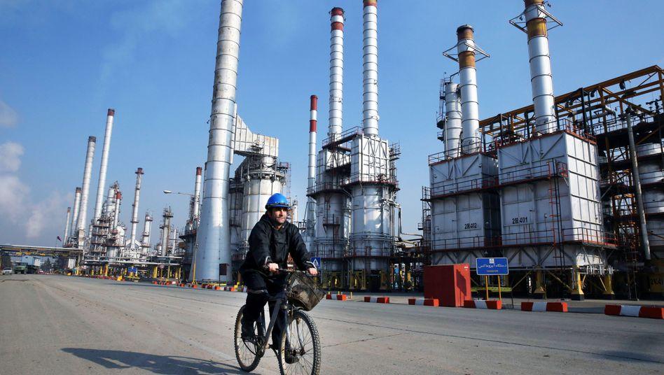 Raffinerie im Süden von Teheran (Archivbild)