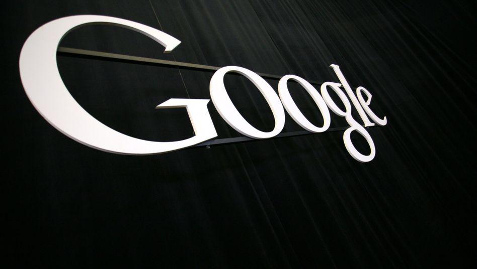 Google-Schriftzug: Erstmals gibt der Internetkonzern mehr Geld für seine Lobbyarbeit aus als Microsoft