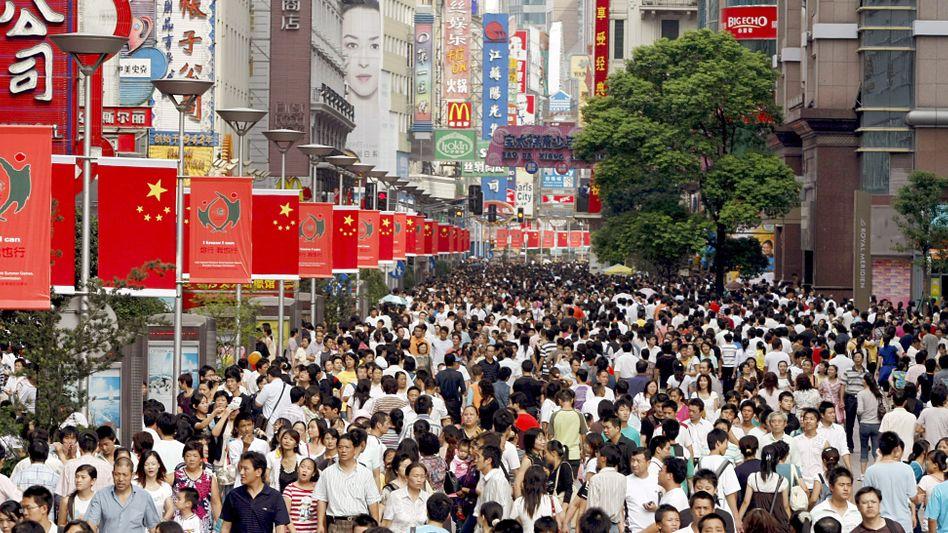 Menschenmassen in Shanghai: China ist derzeit das bevölkerungsreichste Land der Erde