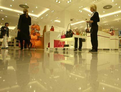 Kaufhaus KaDeWe in Berlin: Es brummt wieder