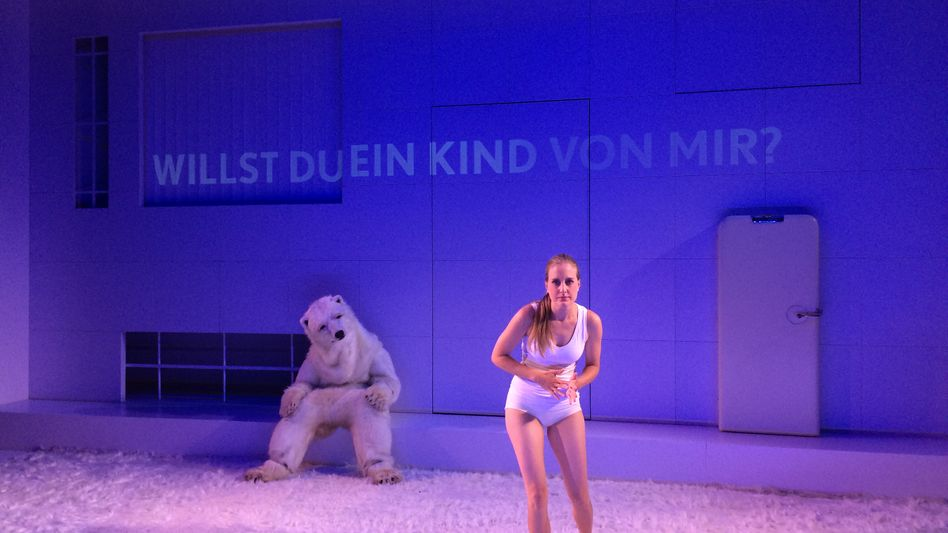 """Hauptdarstellerin Sophie Hottinger in """"Der Minusmensch"""" am Schauspiel Leipzig."""