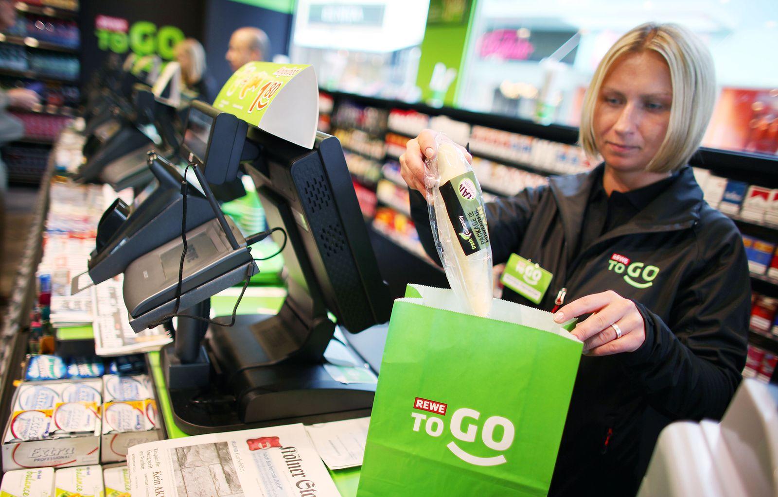 """""""Rewe To Go"""" / Supermarkt"""