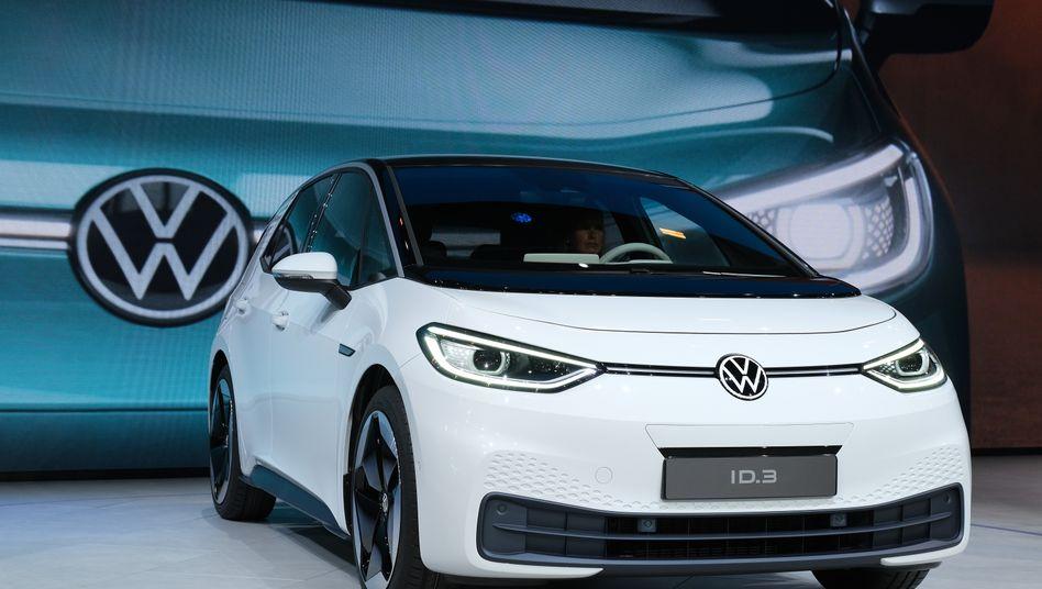Volkswagen ID.3: Nach Informationen des manager magazins müssen mehr als 20.000 Elektroautos ein manuelles Softwareupdate bekommen