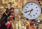 Samstags vier Stunden länger: Der Ladenschluss entzweit Kanzler und Gewerkschaften