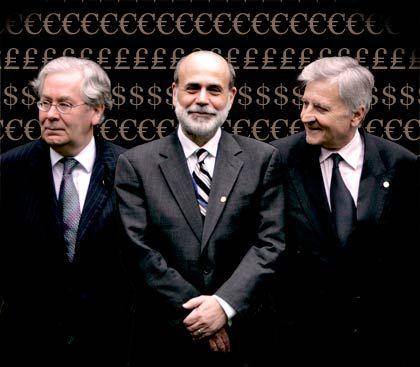 Herren der Moneten: Die Zentralbankchefs aus London (Mervyn King), Washington (Ben Bernanke) und Frankfurt (Jean-Claude Trichet, v. l.)