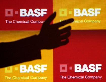 Übernahmeangebot: BASF greift nach Ciba