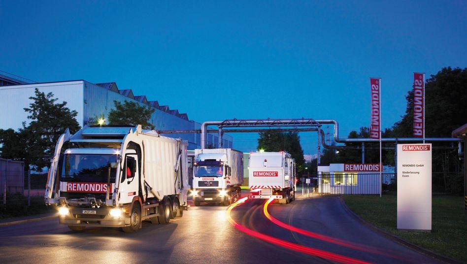 Remondis-Lastwagen vor einer Niederlassung (Archivaufnahme)
