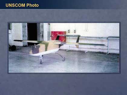 Eine Drohne der Sonderkommission der Vereinten Nationen (UNSCOM): Diese unbemannten Flugzeuge sollen zur Aufklärung und Zerstörung von irakischen Waffendepots eingesetzt werden.