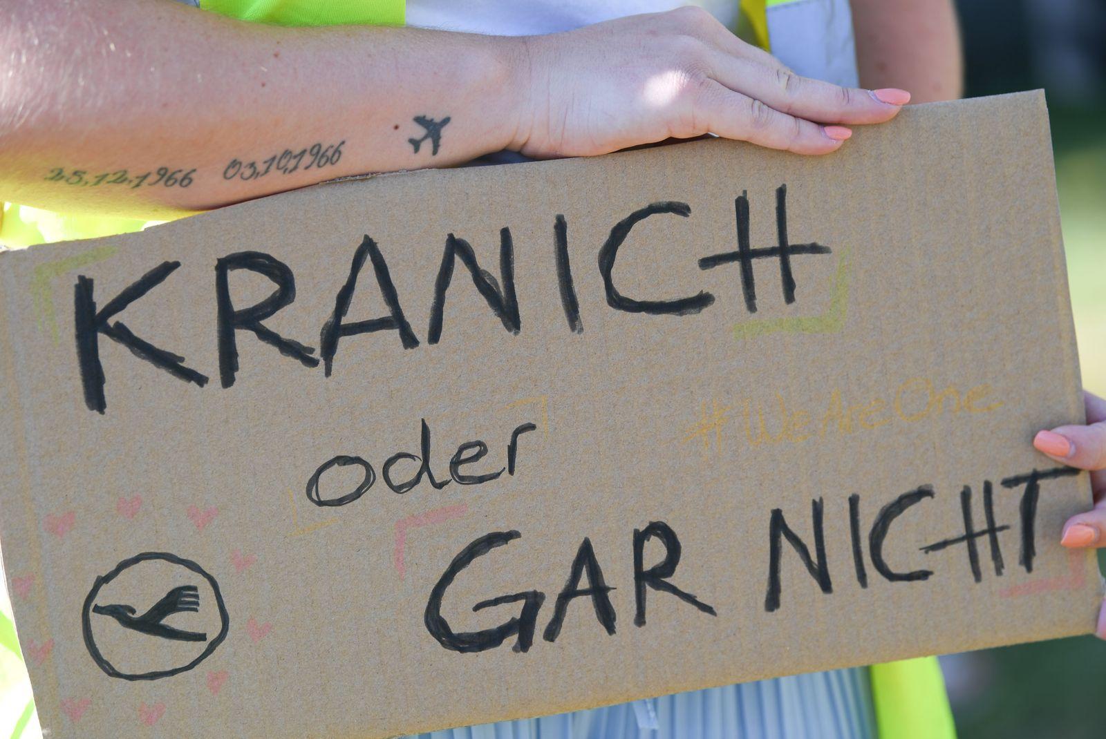 Lufthansa Hauptversammlung - Demo Flughafen Frankfurt