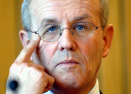 """""""So nicht umsetzbar"""": CDU-Generalsekretär Volker Kauder zu Kirchhofs Steuerplänen"""