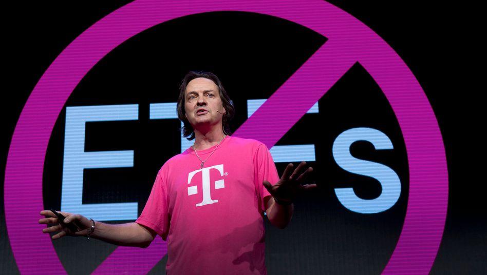 """""""Wir haben bei den Kunden wirklich den Nerv getroffen"""": T-Mobile-USA-Chef Legere gibt sich gern locker, er ist das Gesicht des Umbruchs bei der Telekom-Tochter"""