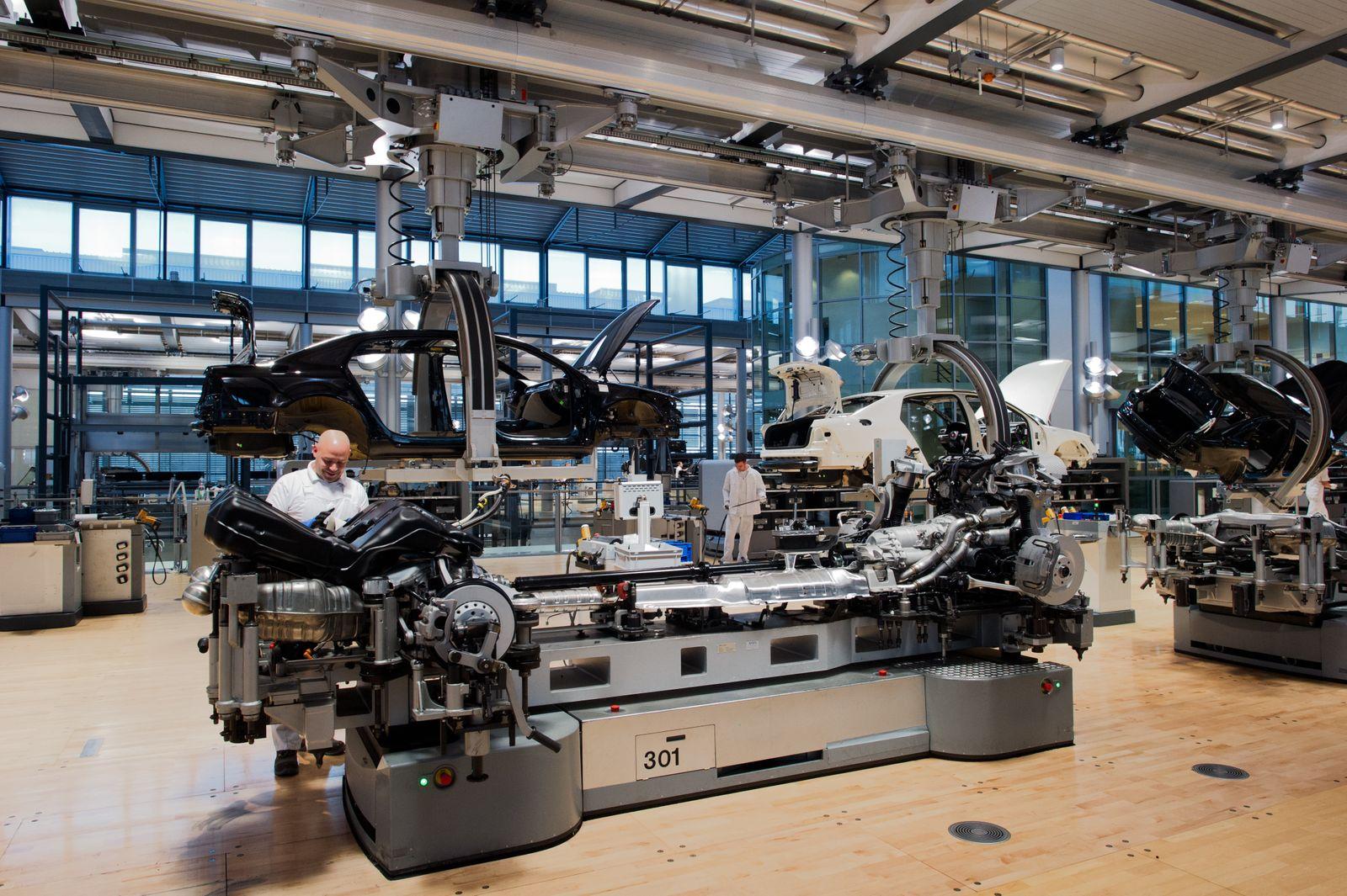 Gläserne VW-Manufaktur in Dresden