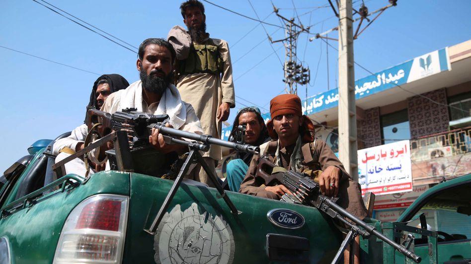 Taliban-Kämpfer: Kassen der Finanzkommission gefüllt