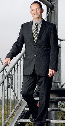 """Projektleiter Wolff von der LRI Landesbank Rheinland-Pfalz, Luxemburg: """"Ihr kriegt einen guten Projektleiter und verliert eine schlechte Führungskraft"""""""