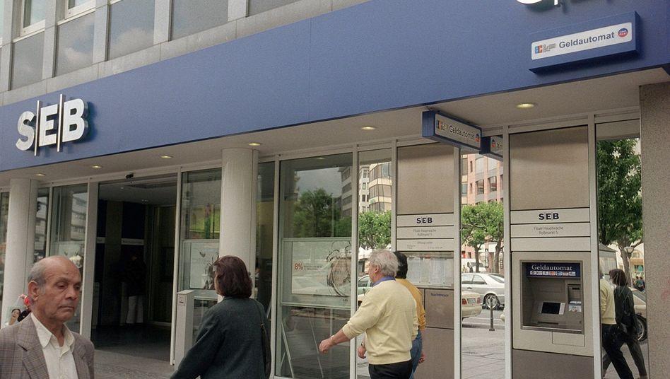 SEB-Bank-Filiale in Frankfurt (Archivbild): Die schwedische Bank ist in einen Geldwäscheskandal verwickelt.