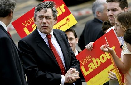 Selbstkorrektur? Gordon Brown kritisiert die Steuervorteile, die er selbst eingeführt hat