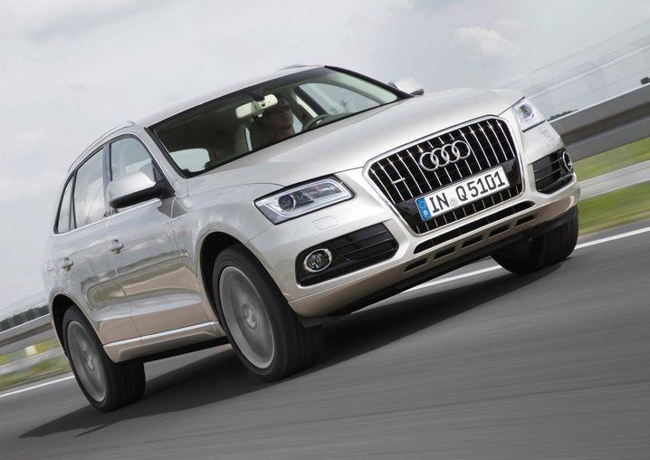 Im März zog Audis Q5 auf breiten Reifen an der bayerischen Konkurrenz vorbei