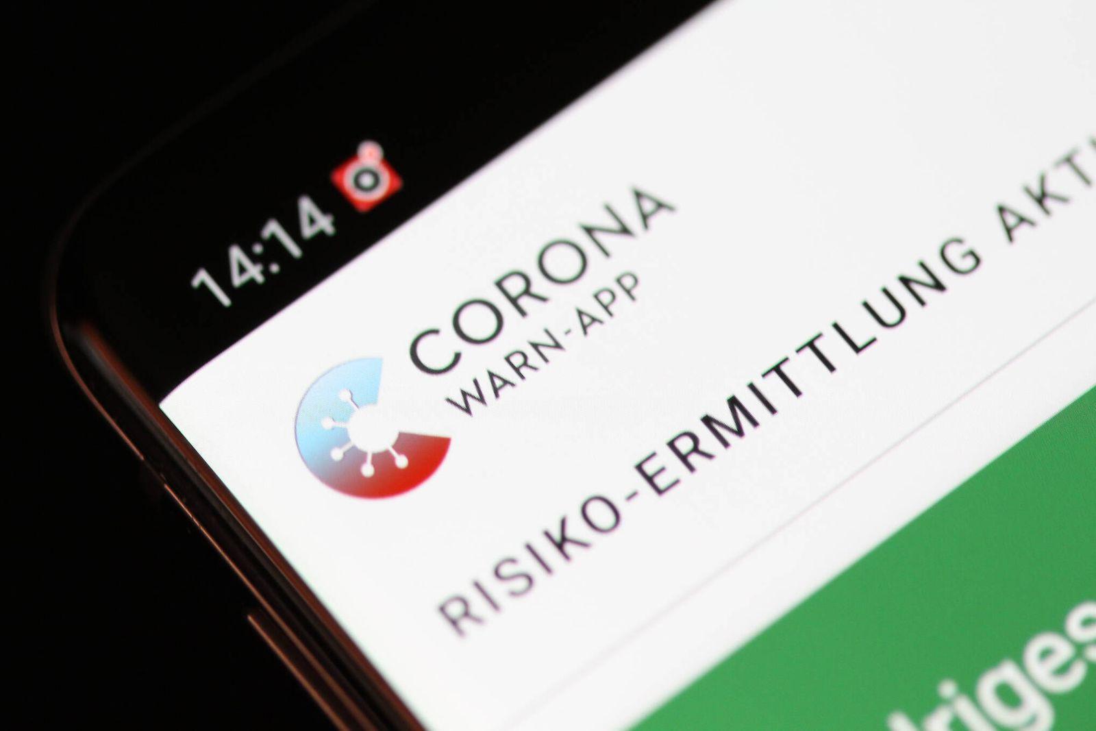 Freiburg Themenbild - Neue Corona-Warn-App der Bundesregierung, Warn-App, Tracing App, Dezentrale Loesung, Robert-Koch-
