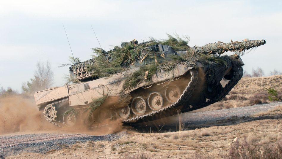 Kampfpanzer Leopard 2 von Krauss-Maffei Wegmann: Algerien, Katar und Saudi-Arabien unter den zehn größten Empfängerländern