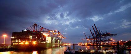 Geringerer Handelsbilanzüberschuss: Wirtschaftskrise erschwert deutschen Unternehmen die Verkäufe an ausländische Kunden