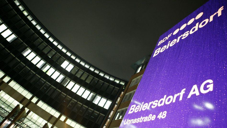 Beiersdorf-Zentrale in Hamburg: Stefan Heidenreich rückt kommendes Jahr auf den Chefsessel