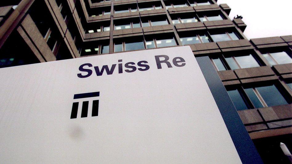 Firmenzentrale Zürich: Die Swiss Re schwimmt derzeit wie auch andere Rückversicherer in Geld - und reicht es zu einem Gutteil an seine Aktionäre weiter