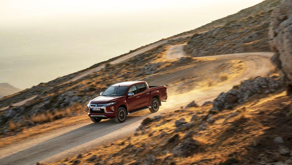Mitsubishi Pickup: Geschäftsräume in Deutschland bundesweit durchsucht