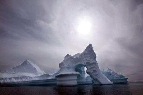 Die Spitze des Eisbergs: Ein Drittel über, zwei Drittel unter dem Wasser