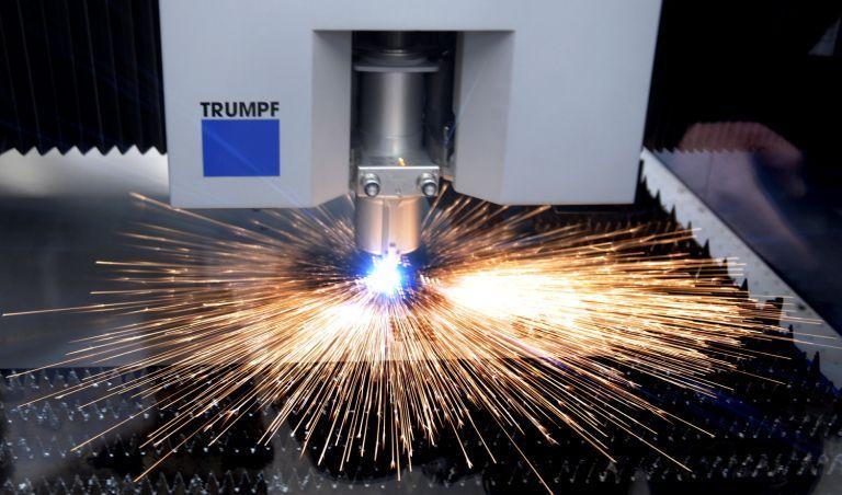 NICHT VERWENDEN Funken Laser Werkzeugmaschinenhersteller Trumpf