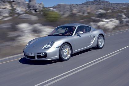 Hinter den Türen viel Ferrari: Porsche Cayman S