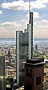 Die Commerzbank kommt nicht aus den Schlagzeilen