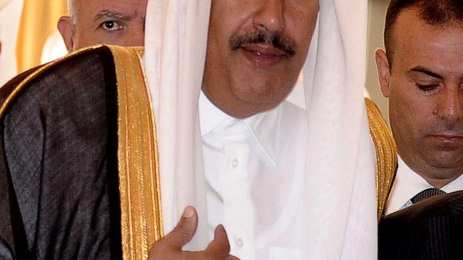 Baut seine Macht über die Deutsche Bank aus: Katars Ex-Premier Hamad bin Jassim bin Jaber Al-Thani, inzwischen Privatinvestor.