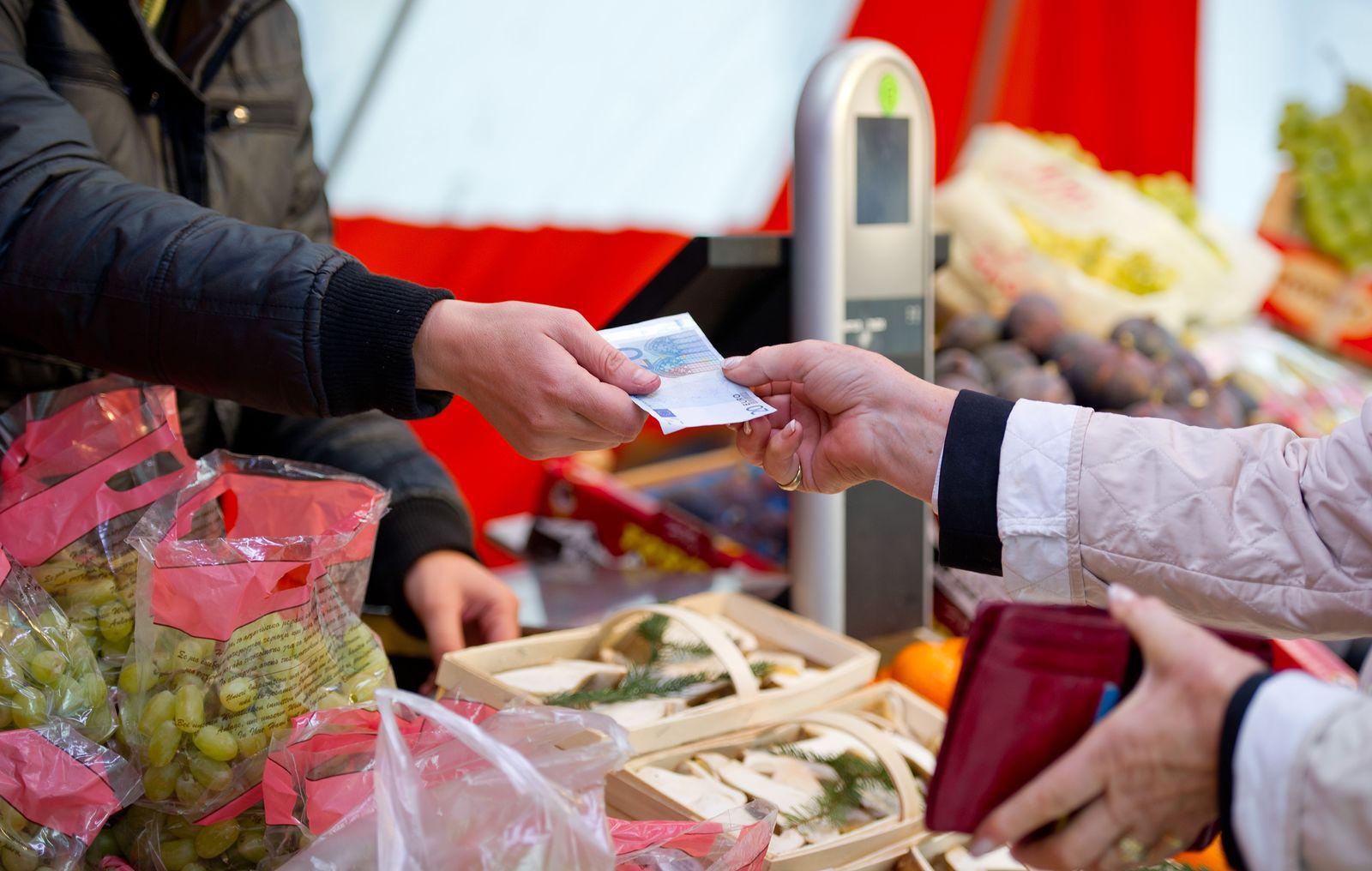 Einkauf / Lebensmittel / Supermarkt / Preise / preisschilder / Inflation