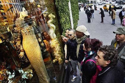Kaufrausch: Der schwache Dollar macht das Shopping-Erlebnis New York für Europäer in diesem Jahr noch schöner