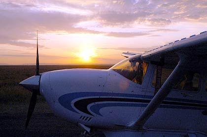 Sonnenaufgang vor dem Start zum Flug über die Masai Mara